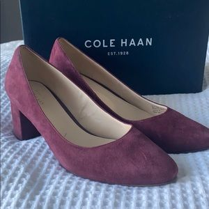 Cole HAAN Claudine model 8 1/2  worn once inside